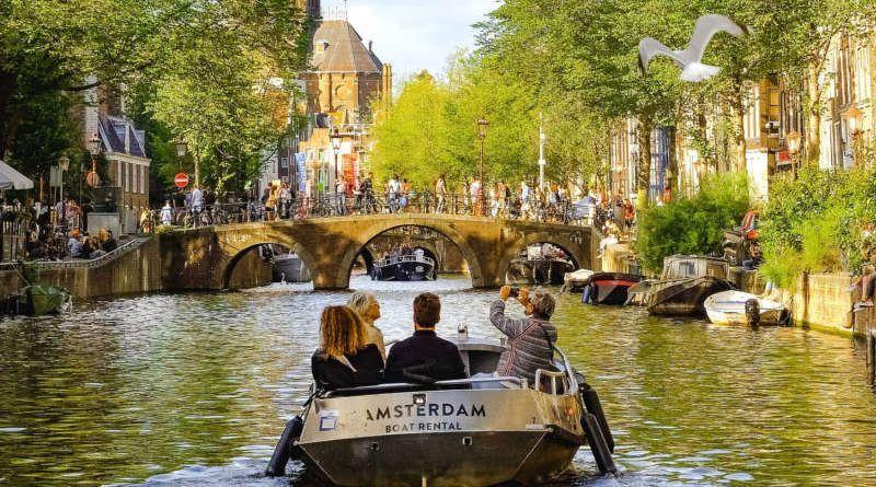 Amsterdam – wesoło ikolorowo