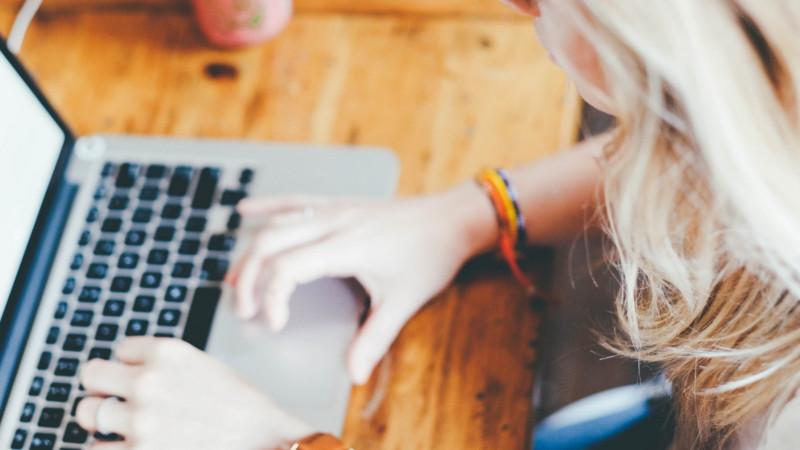 blogerka laptop