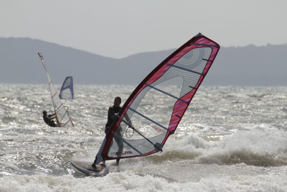 Windsurfing, narty wodne ikajaki-wodne szaleństwo