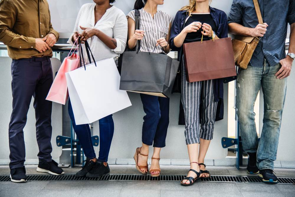 Co warto kupić nawyprzedażach – moda damska