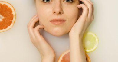 Dwuetapowe oczyszczanie twarzy – hit czy marketing?