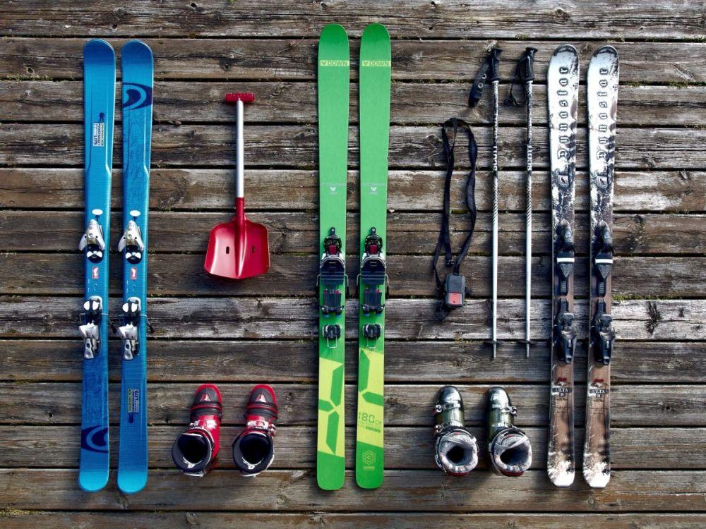 jak wybrać sprzęt narciarski