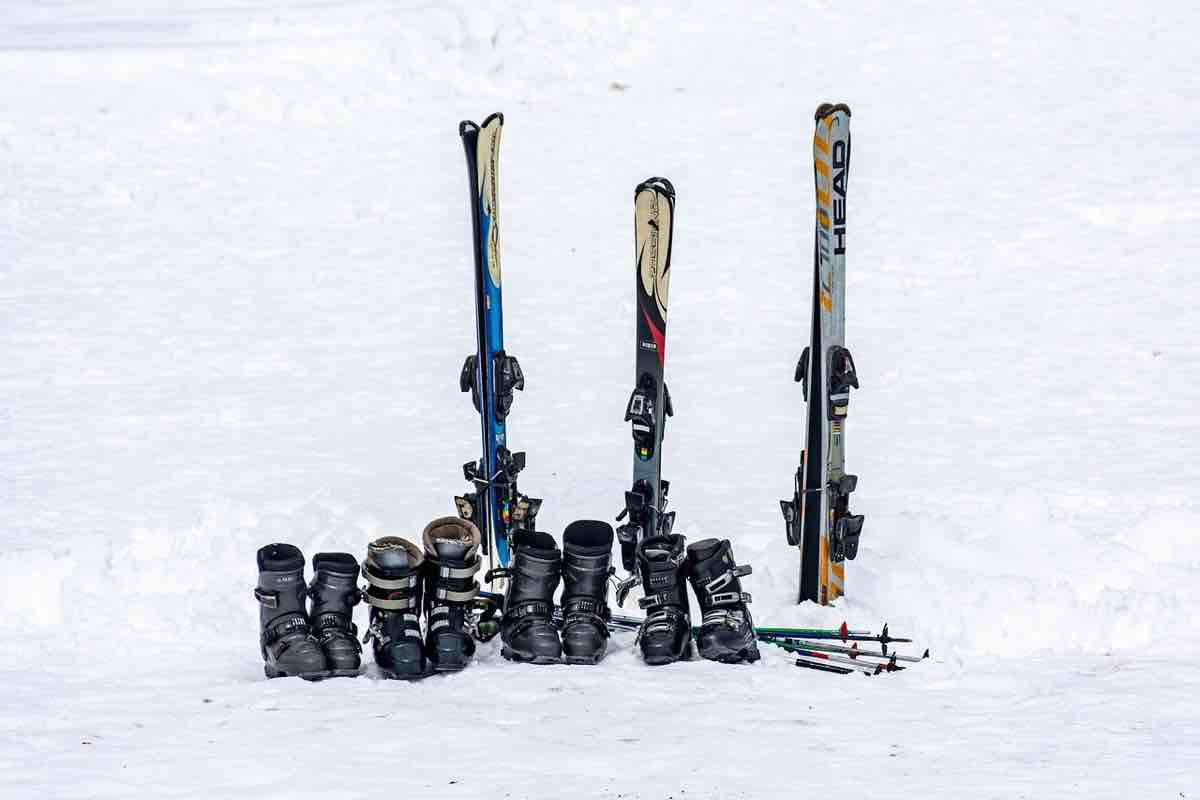 jak przechować sprzęt narciarski