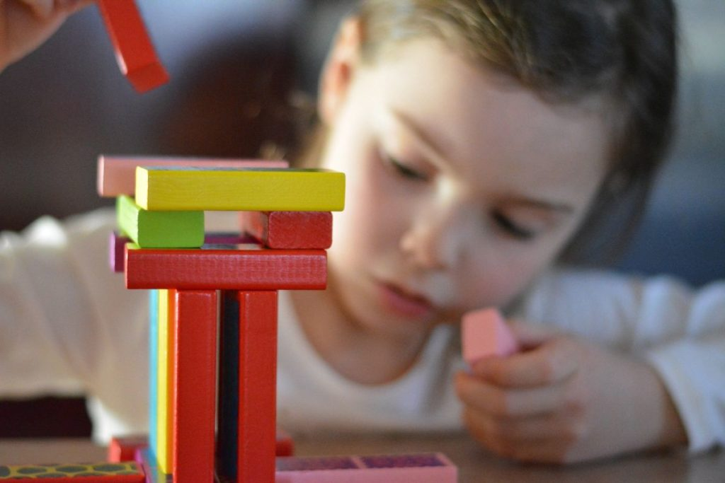 zabawy manualne z dzieckiem